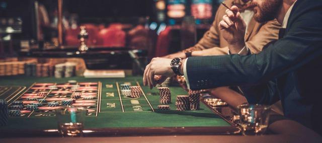 カジノテーブルゲーム