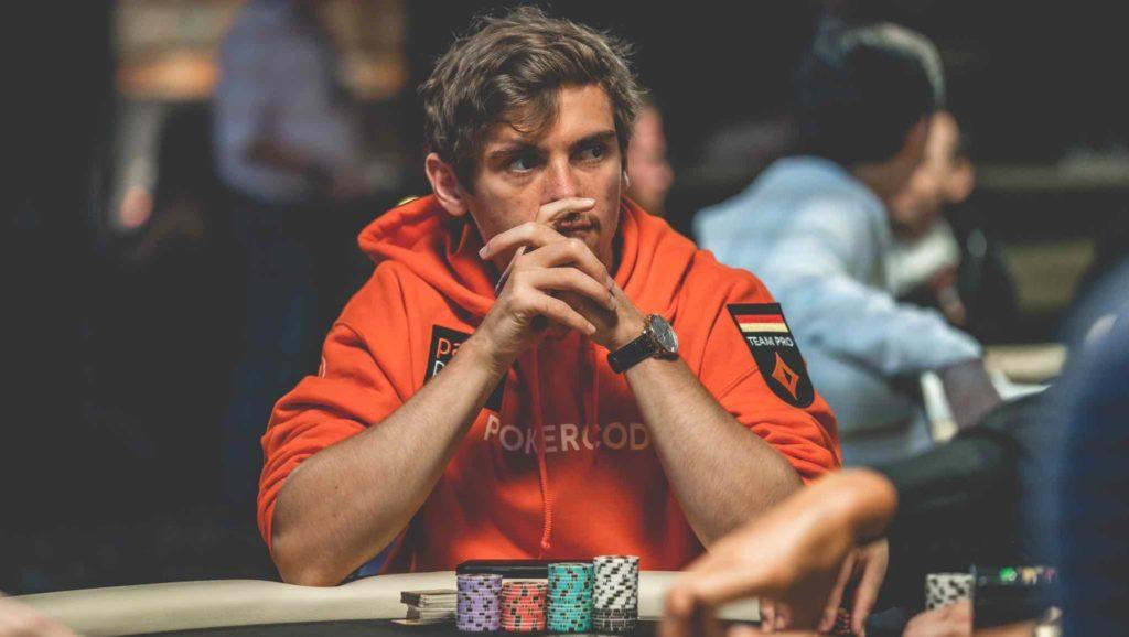 フィドアホルツ ポーカープレイヤー